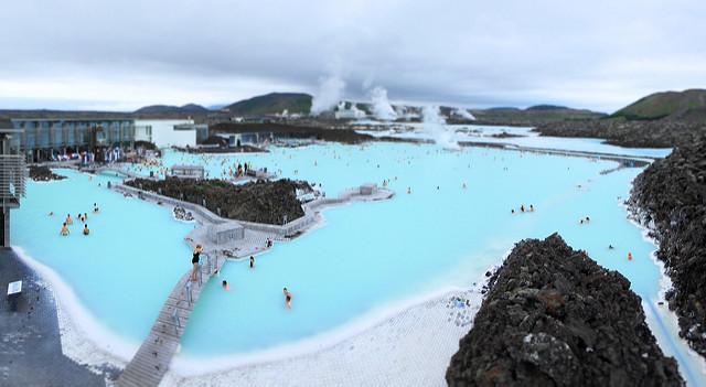 Un lagon bleu en Islande